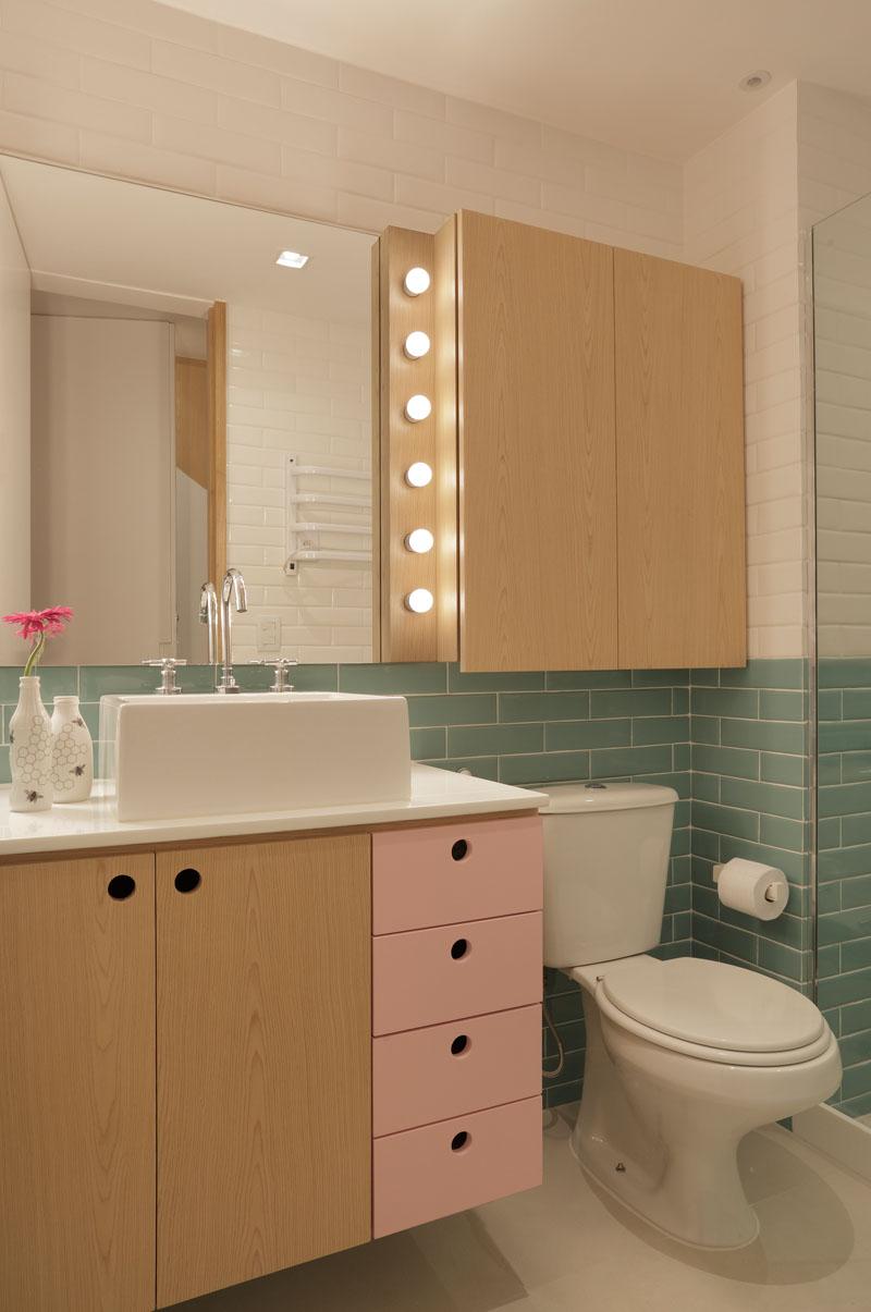 Apartment's Interior Design Featuring Wood Accents 10