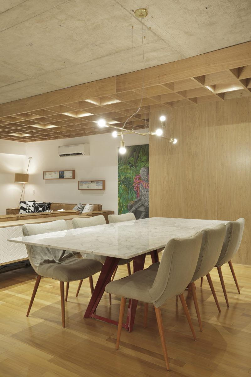 Apartment's Interior Design Featuring Wood Accents 5
