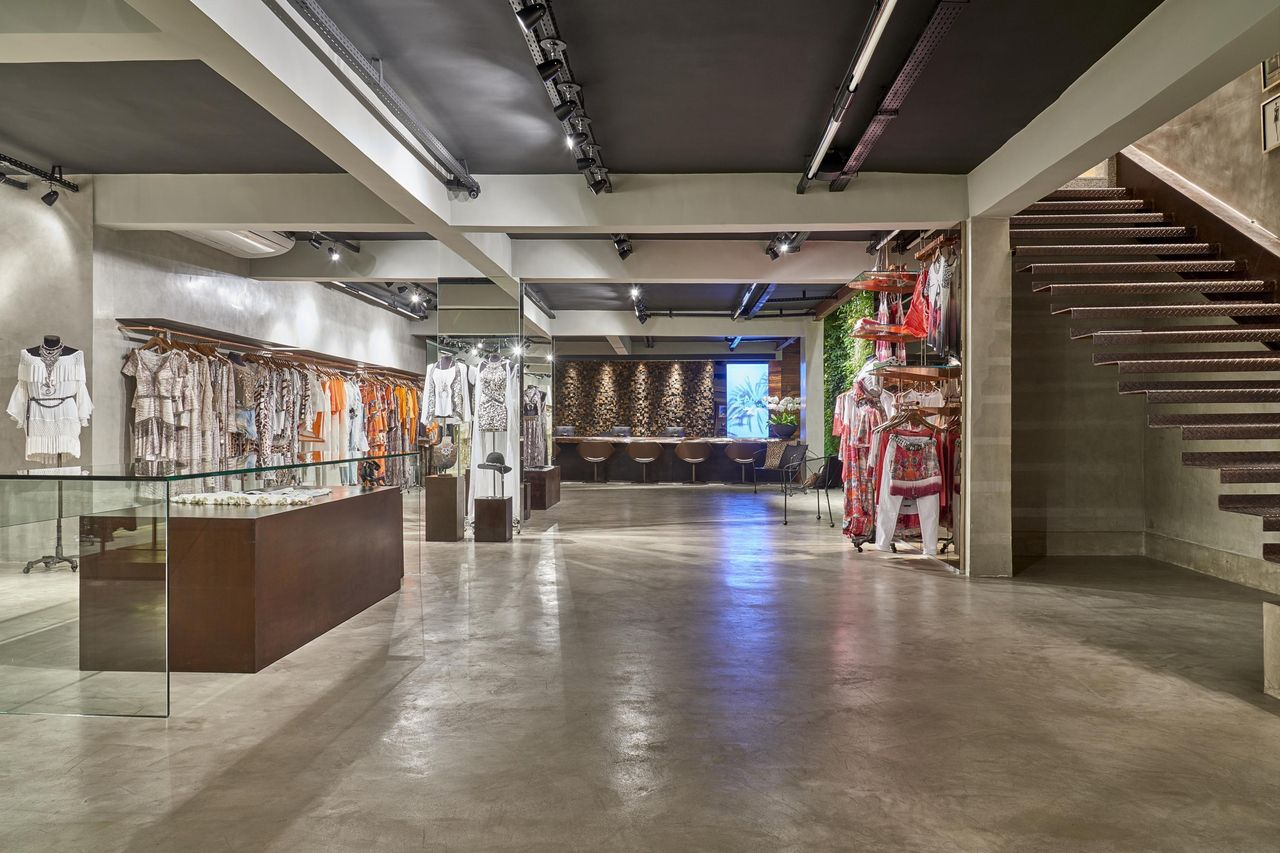 How to design showroom interior especially in malls (4)